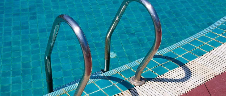 Openlucht zwemmen bij onweer gevaarlijk?
