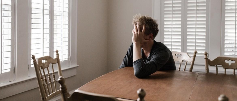 Leidt werkloosheid tot een depressie? De relatie, oorzaken en hoe je positief blijft!