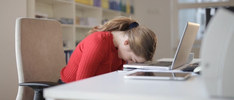 Oorzaken van vermoeidheid. 7 redenen waarom je steeds moe bent!