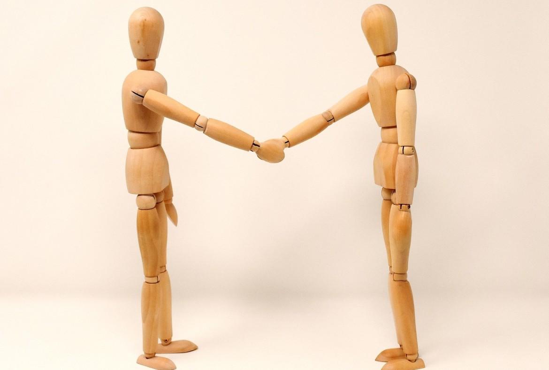 Handen schudden, verbinden, connectie, delegeren