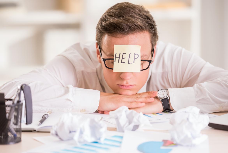 overspannen, stress, burn-out, werk, kantoor, verdrietig, depressief