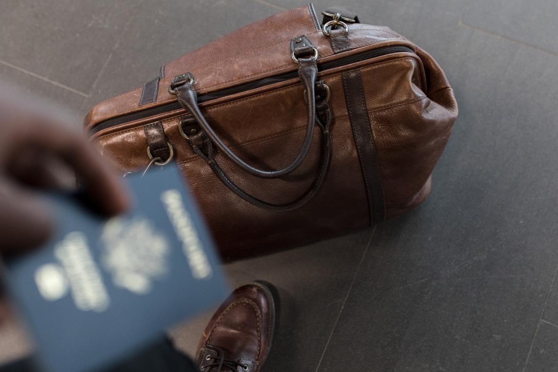 reizen, op reis, trip, paspoort, tas