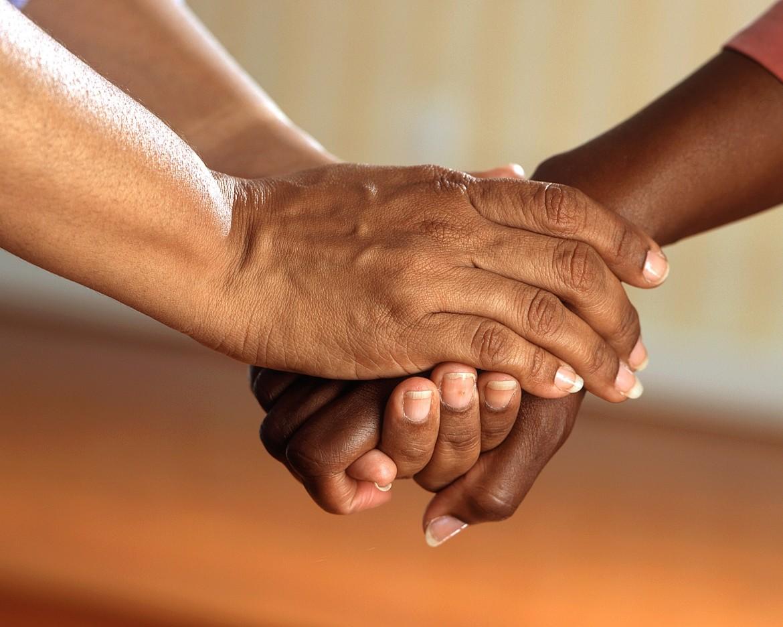 vertrouwen, verbinding, connectie, handen, handgebaar
