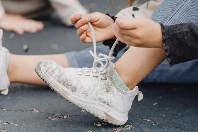 veters, veters strikken, schoen, schoenen, sneakers