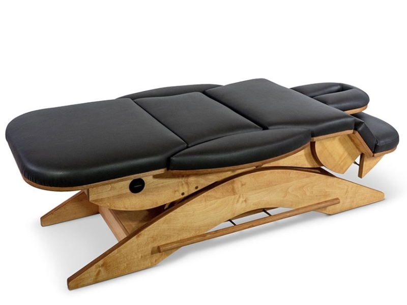 Armen naar beneden op de Relax Sensation Pro Massagetafel