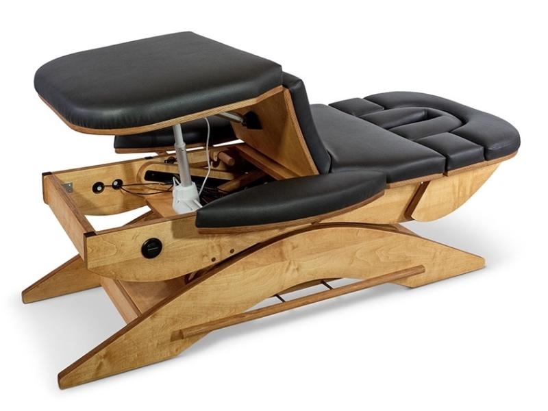 Benen omhoog op de Relax Sensation Massagetafel model Pro
