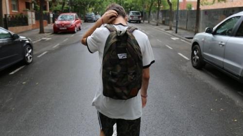 pesten op school verhelpen met individuele jongerencoaching van pestdeskundige Roel Beckers online of in de praktijk in Bree limburg Vlaanderen