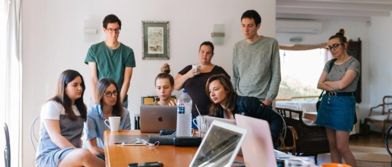 Burn out bij jonge werknemers: Wat kun je (preventief) doen als leidinggevende?