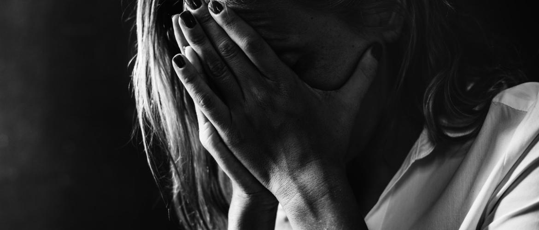 Burn-out door mishandeling: wat is de invloed op je zelfbeeld en gedrag?