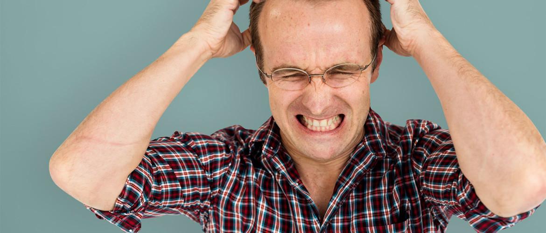 Jezelf ergeren en de relatie met overmatige stress en burnout