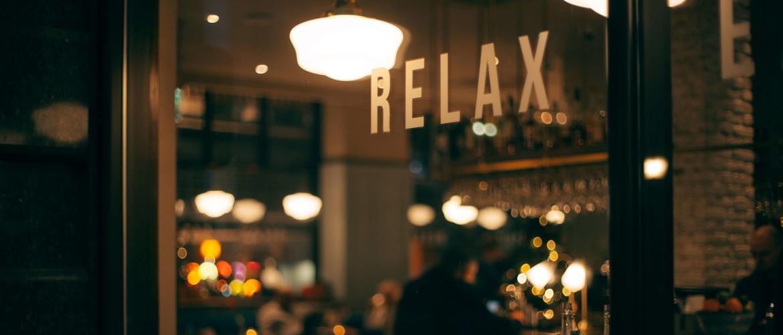 Relaxed zijn: hoe kan je relaxen om te ontstressen? (15 tips)