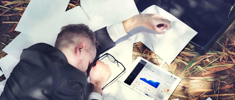 Verslaafd zijn aan je werk: wat zijn de gevolgen en hoe verhelp je het?