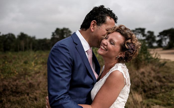 Documentair trouwfotograaf Delft voor spontane foto's die je raken