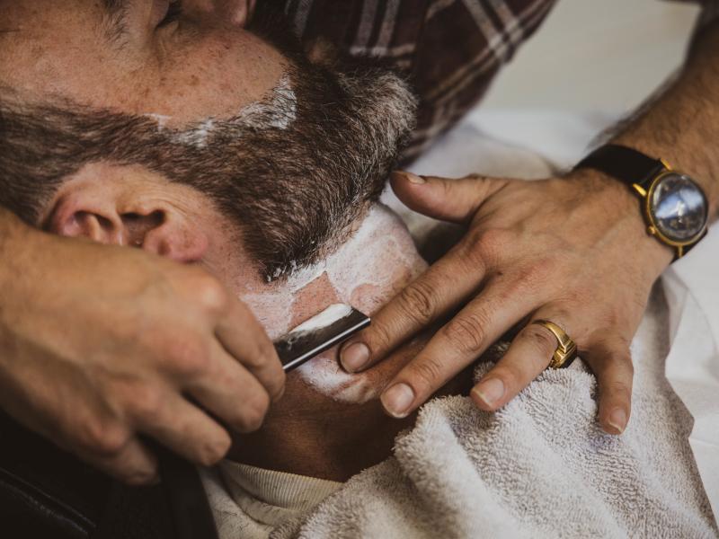 Barbier shaving barber parlour rottterdam