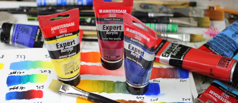 Professionele acrylverf verkleurt minder na droging