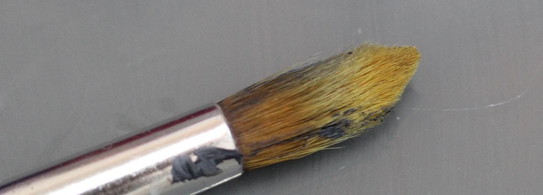 Versleten haren dierenharen penseel