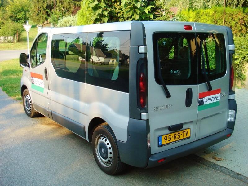 Vervoer 9-persoons minibussen van Artventures