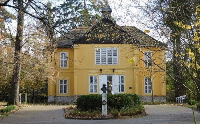 Museum van kunstschilder Ripple-Ronai in Kaposvár
