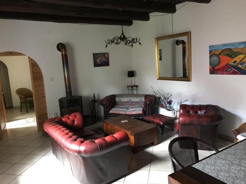 Villa Punda in Somogyacsa: woonkamer met TV en wifi.