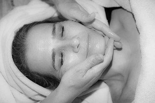 massage gelaat en decoleté