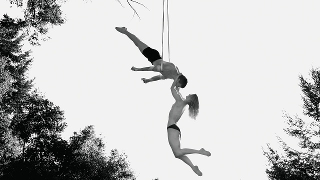 Acey Harper couple hanging on ropes