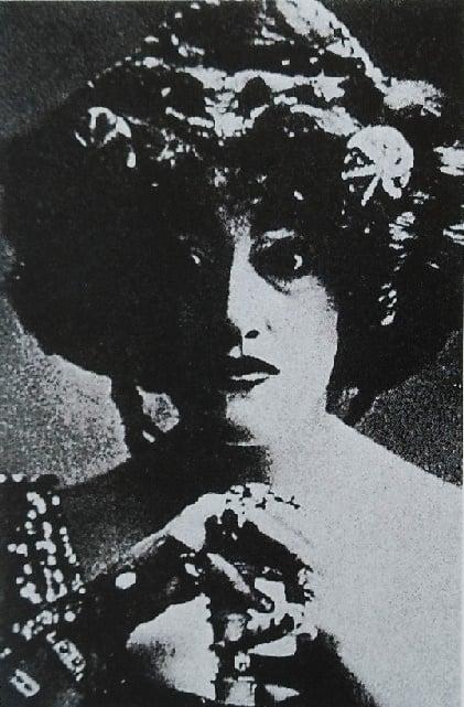Anna Bahr Mildenberg as Clytaemnestra in Elektra Strauss