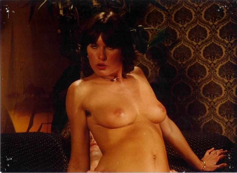 Diana de Koning nude close up