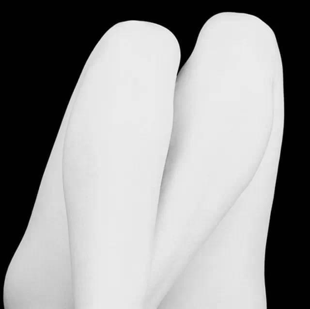 Eric Marrian legs