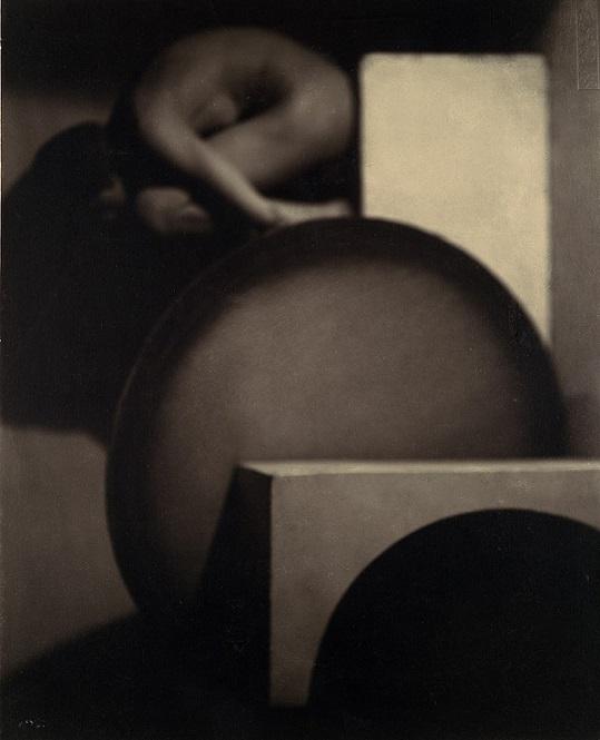 František Drtikol bowing nude