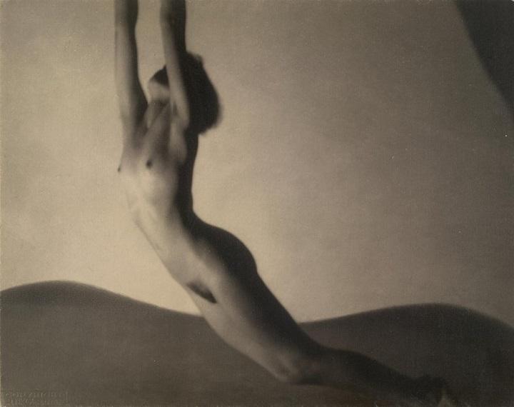 František Drtikol falling nude