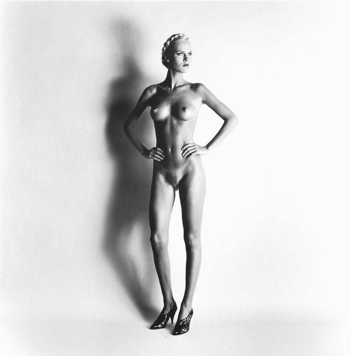helmut newton big nudes