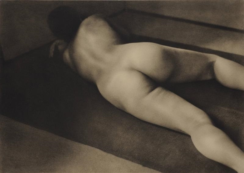 Nude photography Yasuzō Nojima