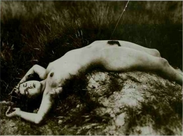 reclining nude in the dunes