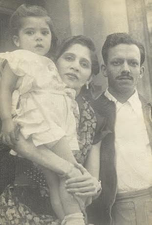 Souza with his wife Maria and daughter Shelley