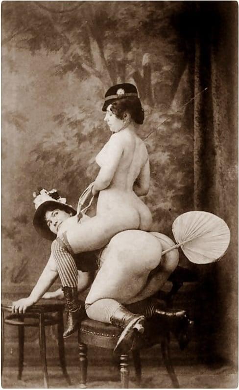 Vintage Erotic Pictures Depicting Lesbian Encounters