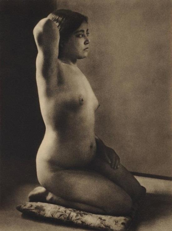 Yasuzō Nojima Kneeling nude girl