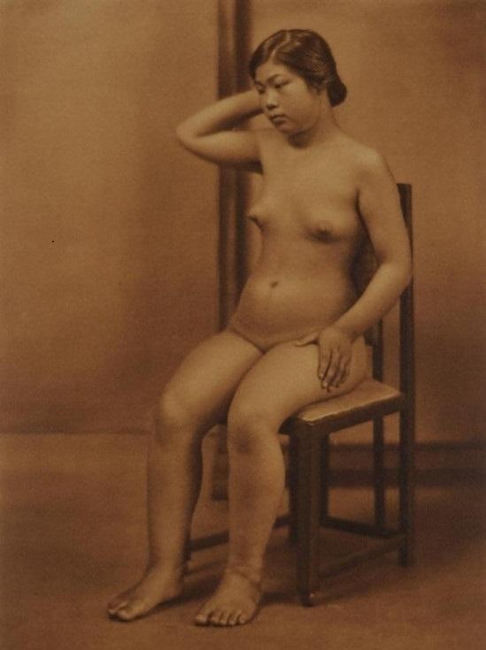 Yasuzō Nojima nude on chair