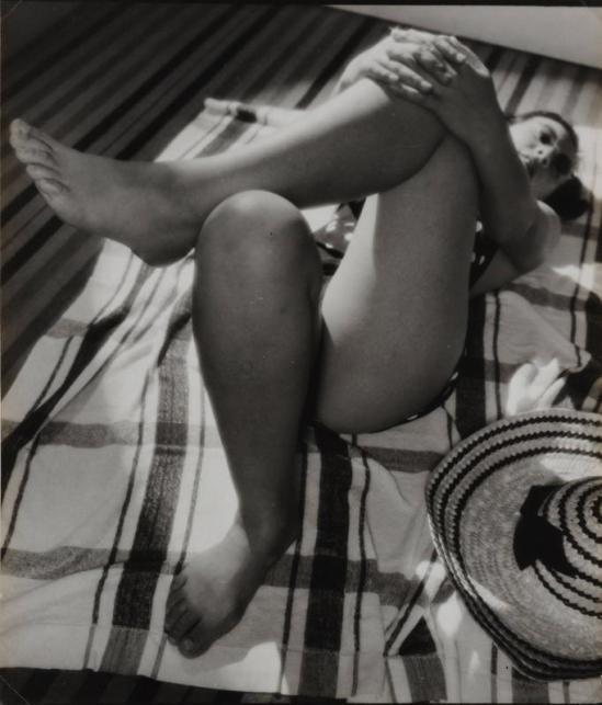 Yasuzō Nojima relaxing nude