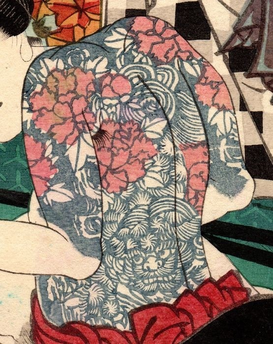 tattoo shunga: detail of the back tattoo