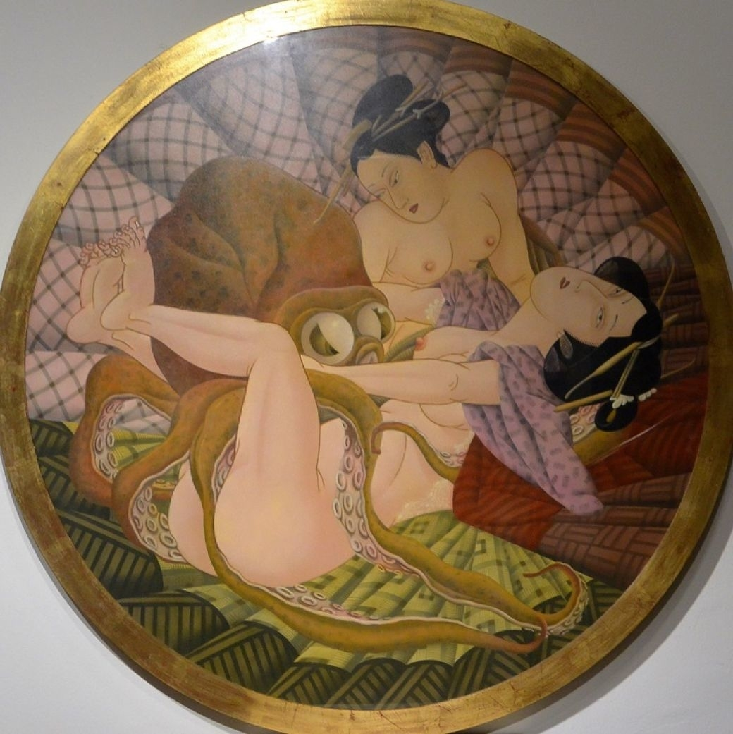 Painting on round plate by fernando bellver