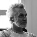 Portrait picture of the artist Van Arno