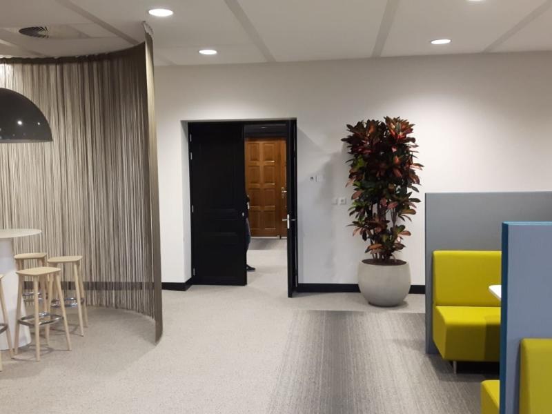 Voormalig kantoorpand Sas van Gent