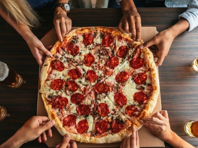 Smaakidee pizza samen genieten