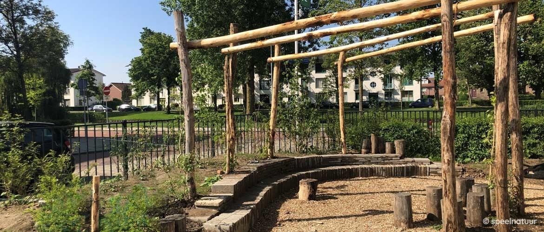 Een educatief groen schoolplein, de ideale combinatie van spelen én leren.