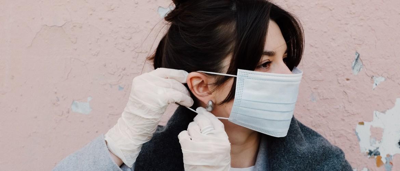 Maskne: hoe voorkom je puistjes door je mondmasker?
