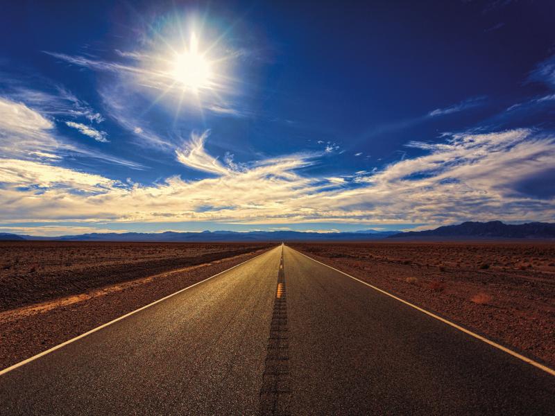 Weg in woestijn