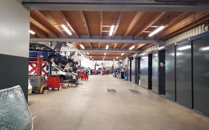Werkplaats autobedrijf led