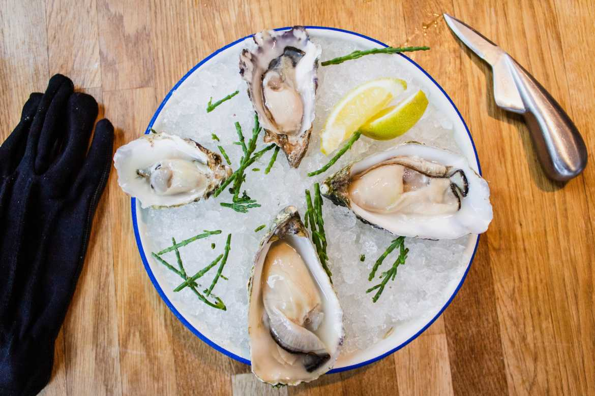 Oesters met double you gin