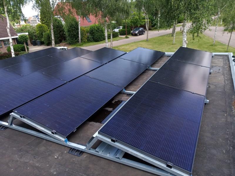 Zonnestroomsysteem van 49 x 325 Wp panelen in Lelystad