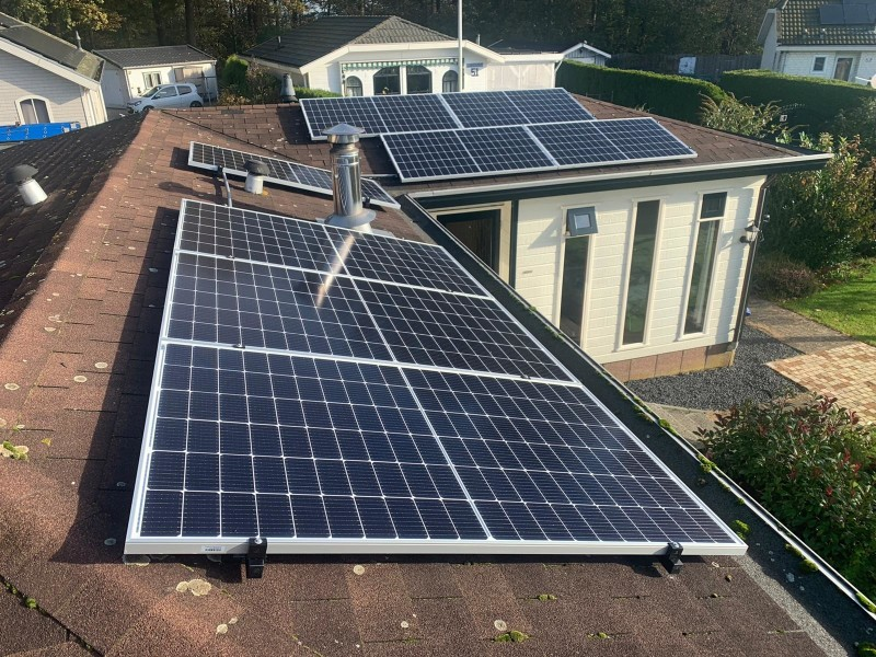 StroomVanDeZon 8 panelen 370 Wp Autarco-SolarEdge omvormer